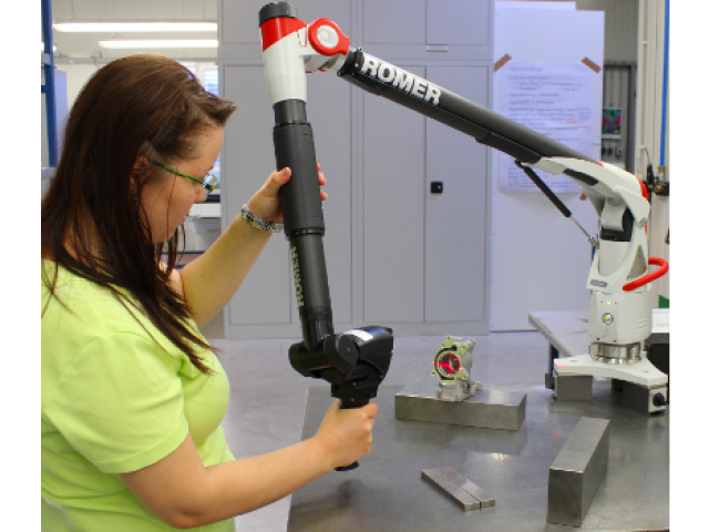 Investment in measuring arm with optical and tactile measurement